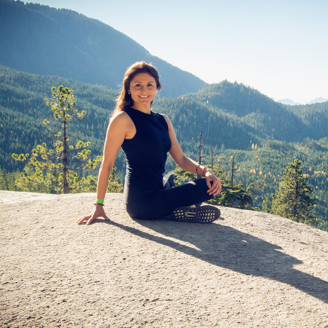 Get to know Sandra Jara, our certified yoga instructor that will take you to Ecuador